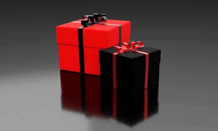 Picture of presents via Pixabay